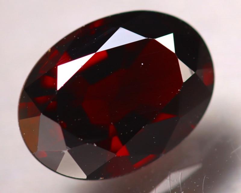 Almandine 3.45Ct Natural Vivid Blood Red Almandine Garnet D1105/B3