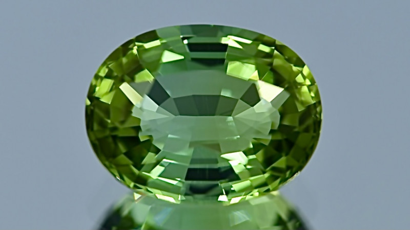 4.98 ct  Tourmaline With Excellent Luster and Fine Cutting  Gemstone