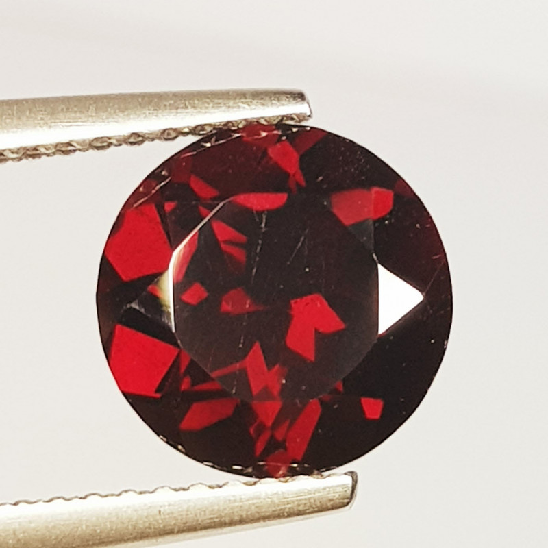 3.20 ct Top Quality Round Cut Top Luster Natural  Rhodolite Garnet