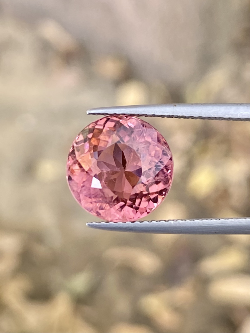 6 cts Natural Pink Tourmaline MASTER CUTTING truly an unique piece