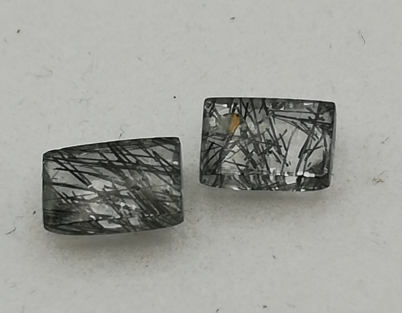 Rutilated quartz pair, 1.42ct, great stones to use for all kind of jewelry!