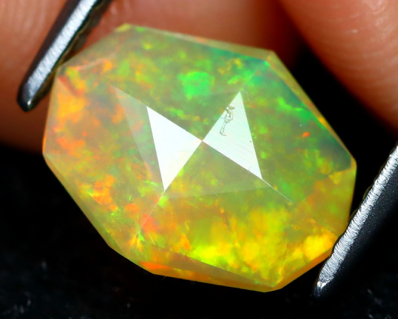 Welo Opal 1.11Ct Master Cut Natural Ethiopian Play Color Welo Opal C1604