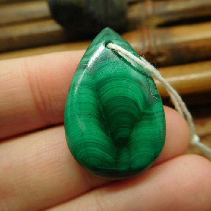 Green gemstone malachite pendant (G2619)