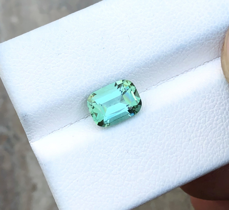 HGTL CERTIFIED 1.67 Ct Natural Blueish Green Transparent Tourmaline Gemston