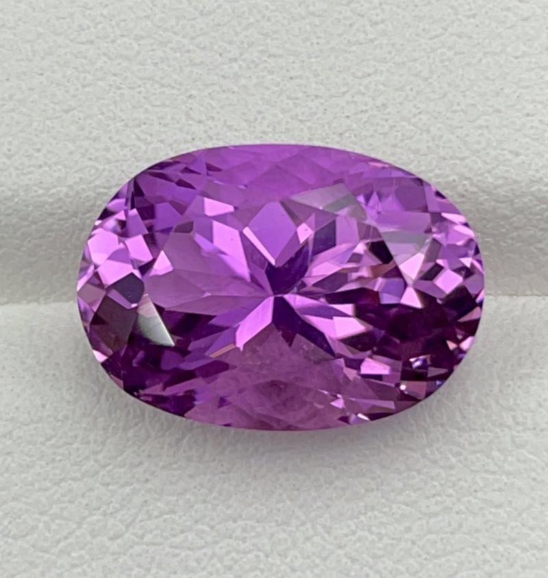 10.06 CT Kunzite Gemstones
