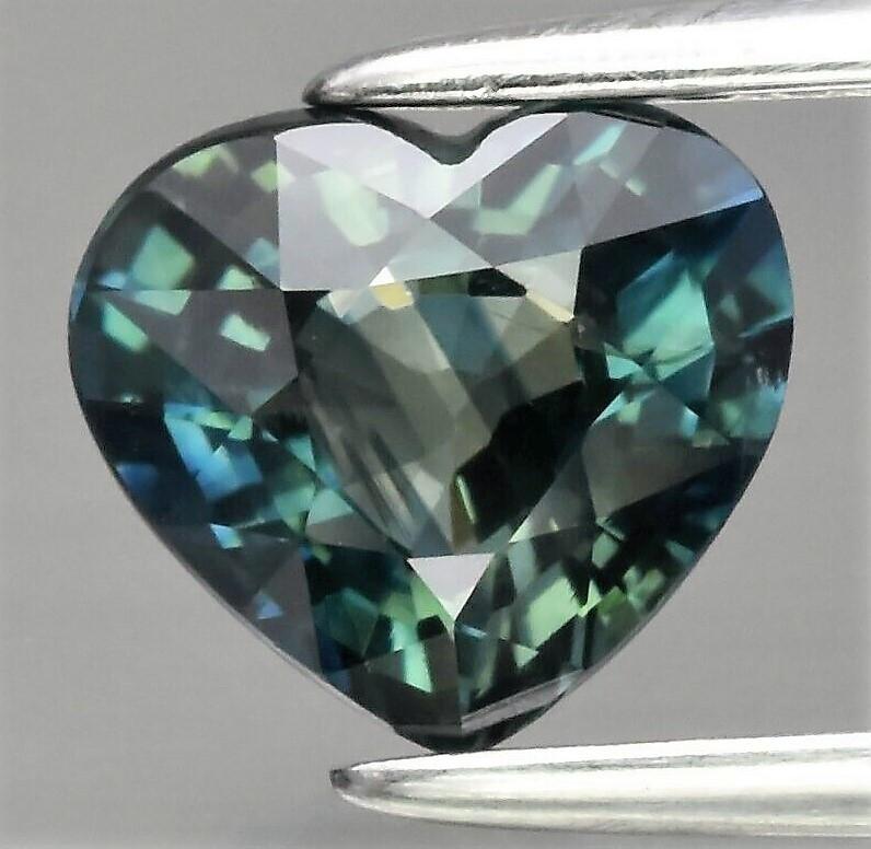 CERTIFICATE 1.12 ct VVS Heart Natural Unheated Green Blue Sapphire
