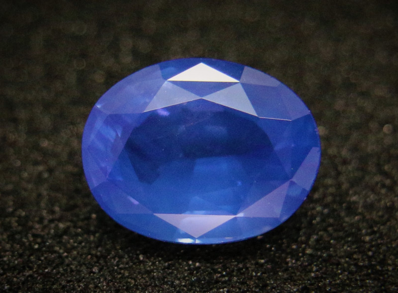 1.06cts Certified Natural Blue Sapphire