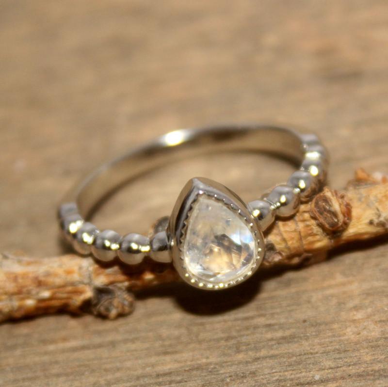 Natural Rainbow Moonstone 925 Silver Ring 426