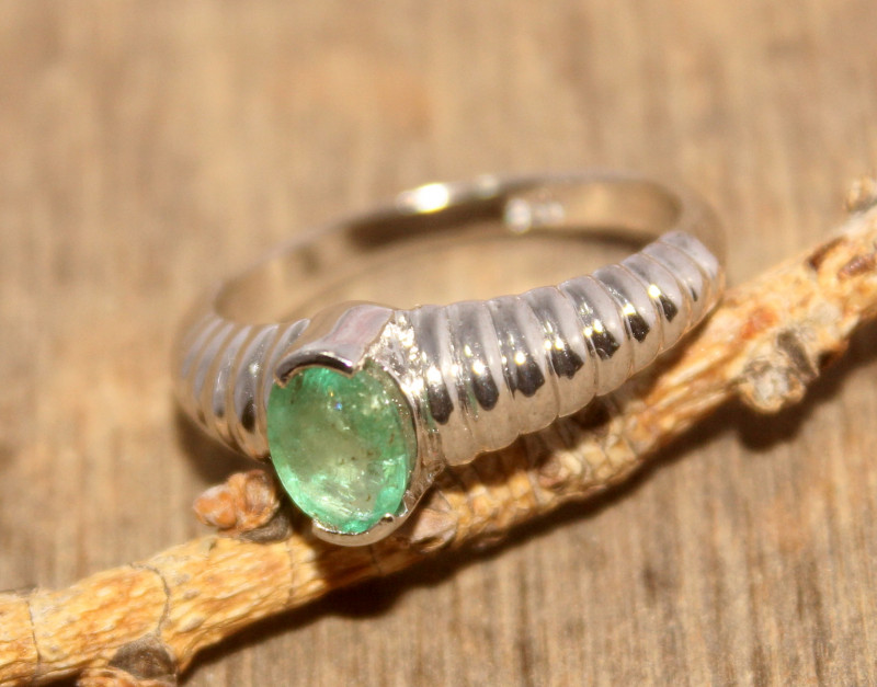 Natural Emerald 925 Silver Ring 464