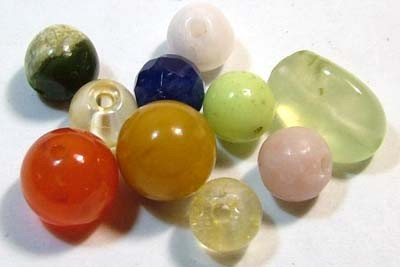 ASSORTED NATURAL BEADS (PARCEL) 31.3  CTS  NP-1526
