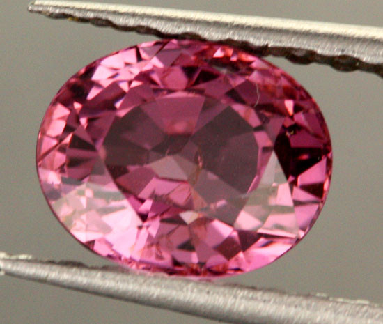 BEAUTIFUL  NATURAL  MAUVE SPINEL    1.55  CTS [SPN25]