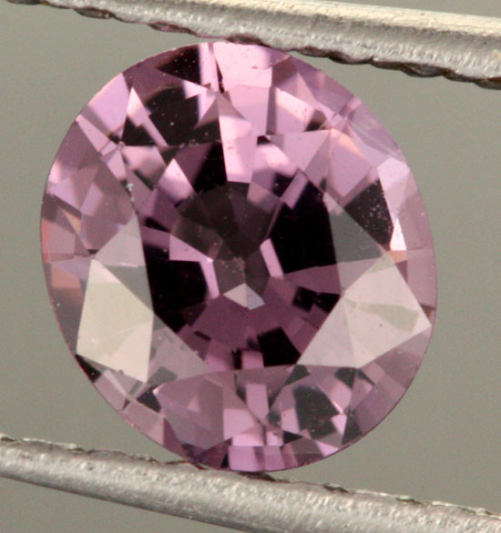 BEAUTIFUL NATURAL   MAUVE SPINEL    .85  CTS [SPN28] VS