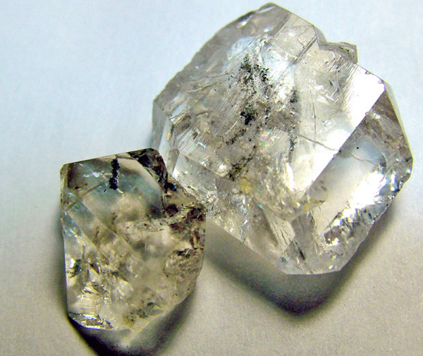 CRYSTAL QUARTZ-LIKE HERKIMER-DIAMONDS 2PCS 2 CTS -AS-1724