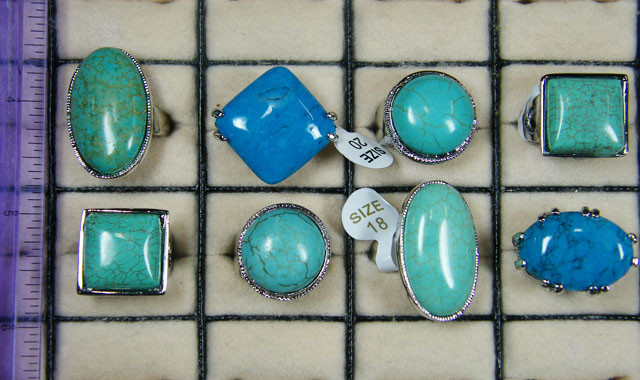 RESELLERS  DEAL 8 LARGE RINGS TURQUOISE  AAT627