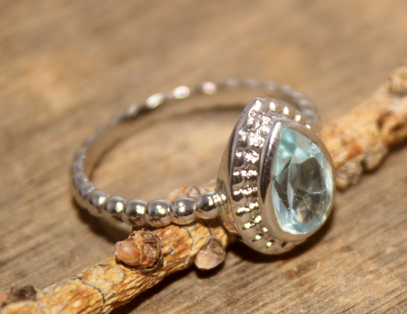 Natural Blue Topaz 925 Silver Ring 484