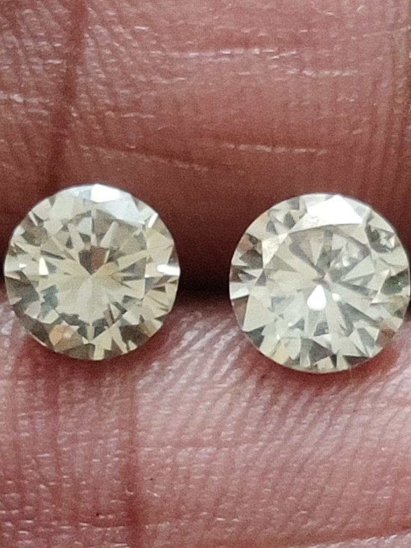 NATURAL WHITE DIAMOND-1.01ctwsize -2pcs pair