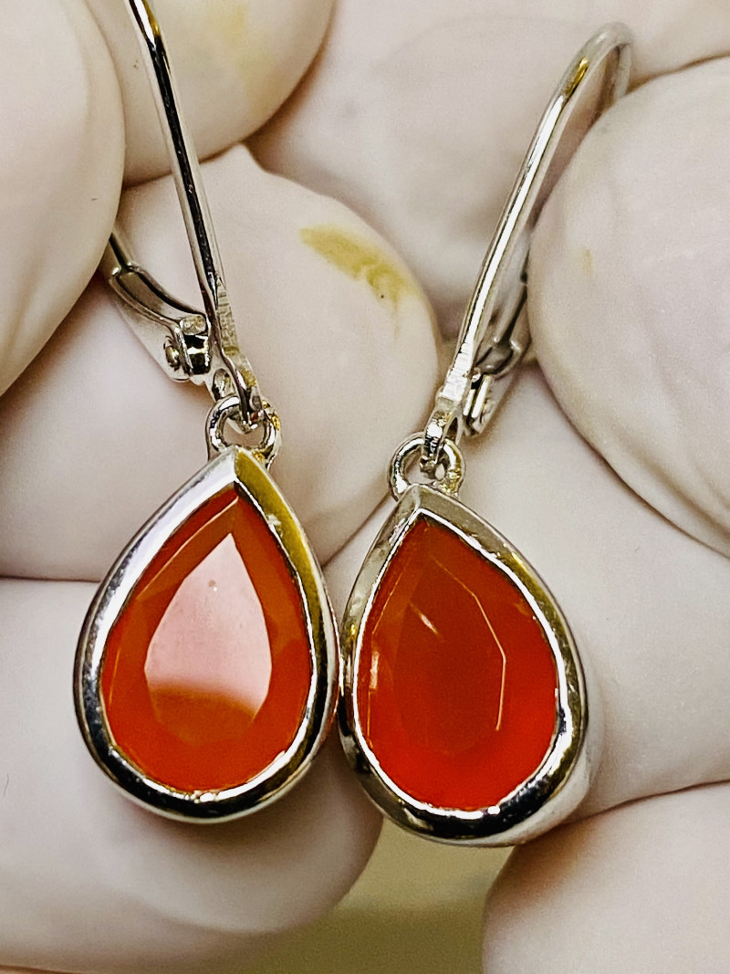 22.6 CT -  EARRINGS- WITH  CARNELIAN BRASIL-   , SILVER    UNUSED - COLLECT