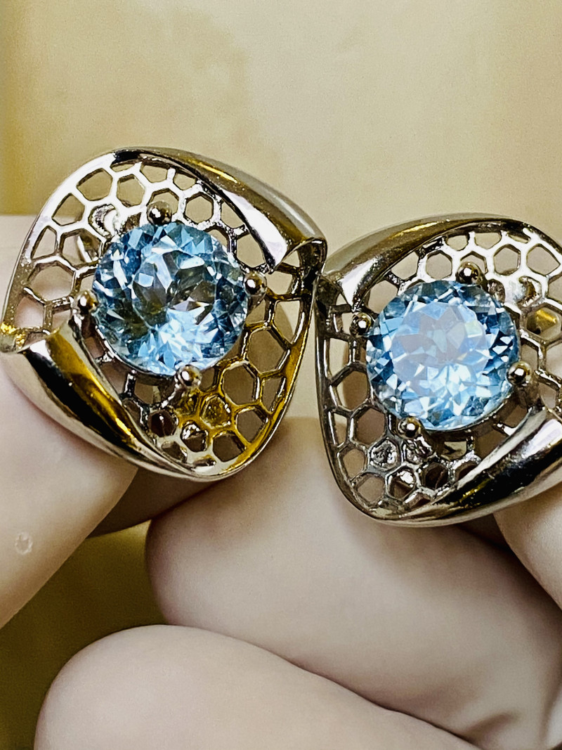 AQUAMARINE EARRINGS- , SILVER    UNUSED - COLLECTION!