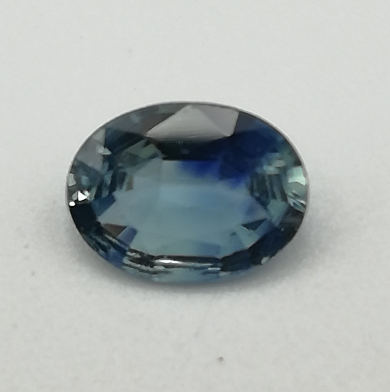 Spinell, 0.8ct, clean blue stone awesome luster!!