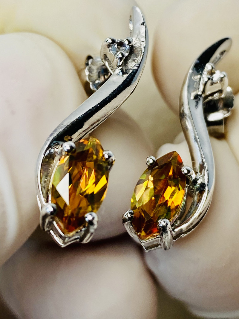 JUNGLE TOPAZ WITH WHITE TOPAZ EARRINGS- , SILVER    UNUSED - COLLECTION!
