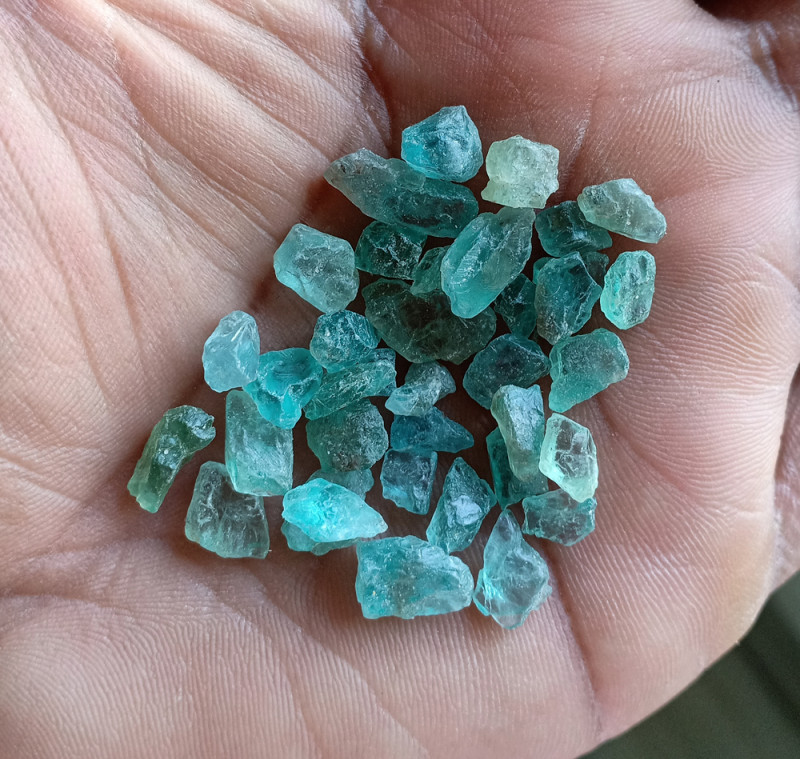 50 Ct Natural Apatite Rough Gemstone Wholesale Parcel VA4529