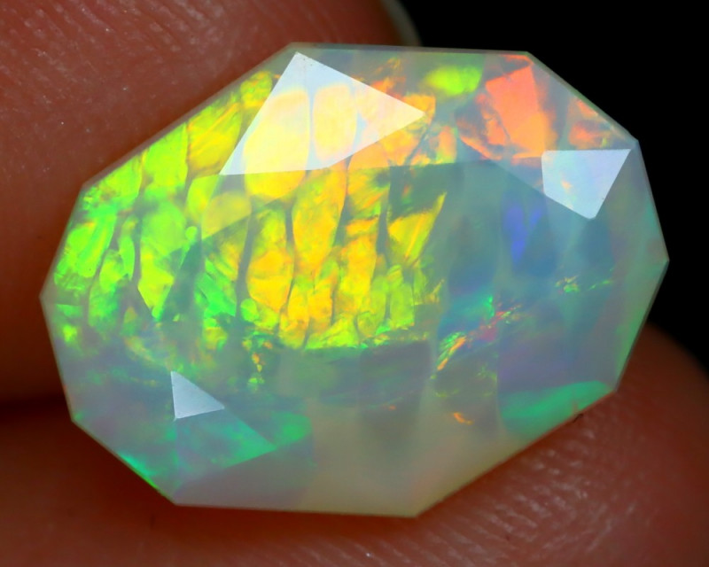 2.68Ct Honeycomb Feather Pattern Rolling Rainbow Flash Welo Opal B2003