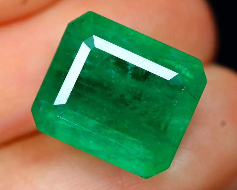 Emerald 7.96Ct Octagon Cut Natural Green Zambian Emerald B2113