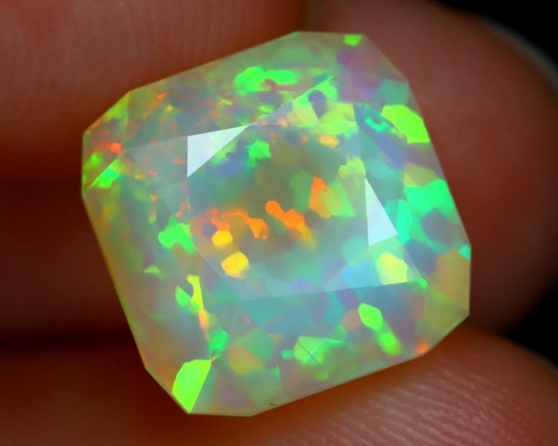 3.96Ct Jig Saw Floral Pattern Neon Rainbow Flash Facted Welo Opal B2212