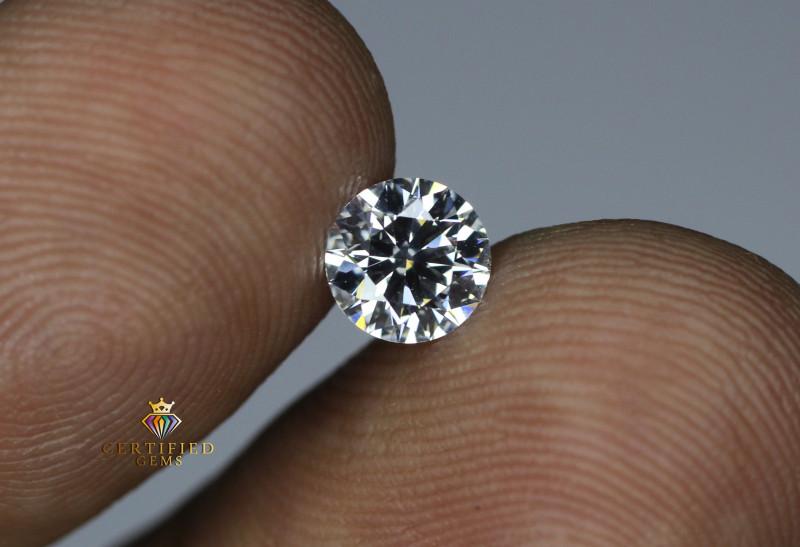 Certified 0.82 Carats Round brilliant Diamond ~GIL/G/VS1