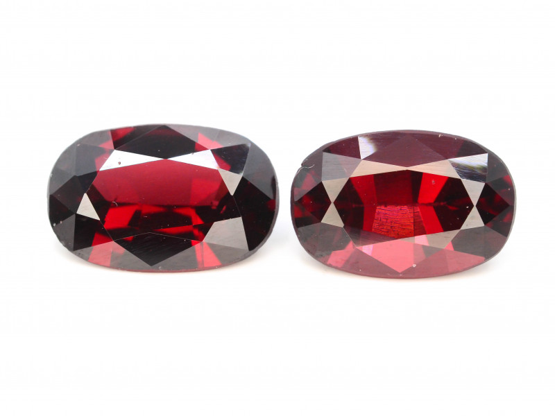Owal Cut Pair 7.05 Natural Blood Red Almandite Garnet ! GAA !