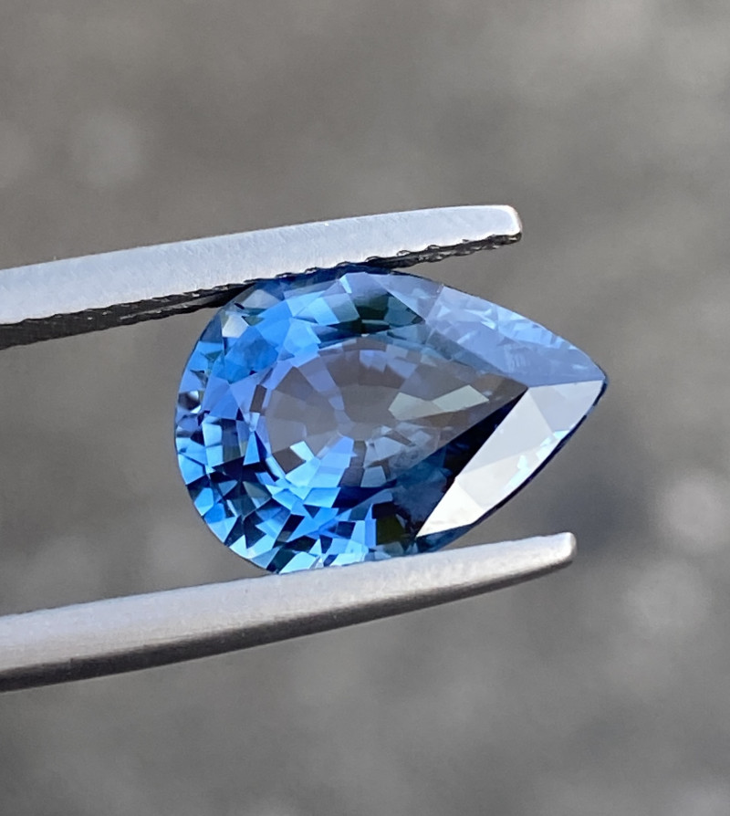 Natural Sapphire 4.68 Cts Superb Quality  Gemstone