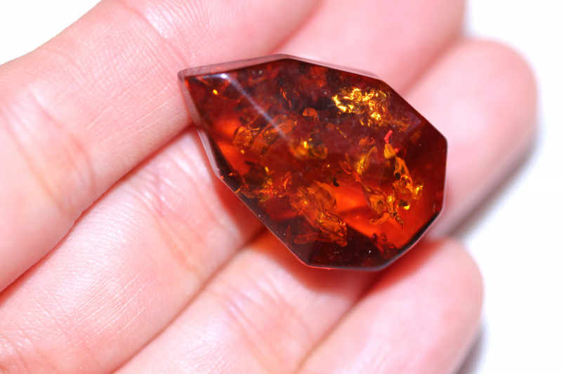 17 Cts Faceted Natural  Amber from Poland  code CCC2850