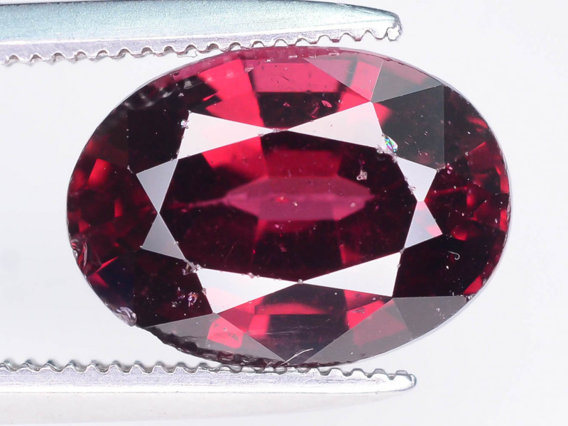Top Quality 3.95 ct Reddish Color Garnet ~ MS