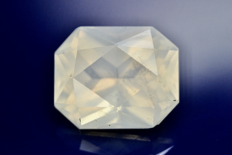 Top Quality 9.75 ct Natural Moonstone Amazing  Color ~ 1