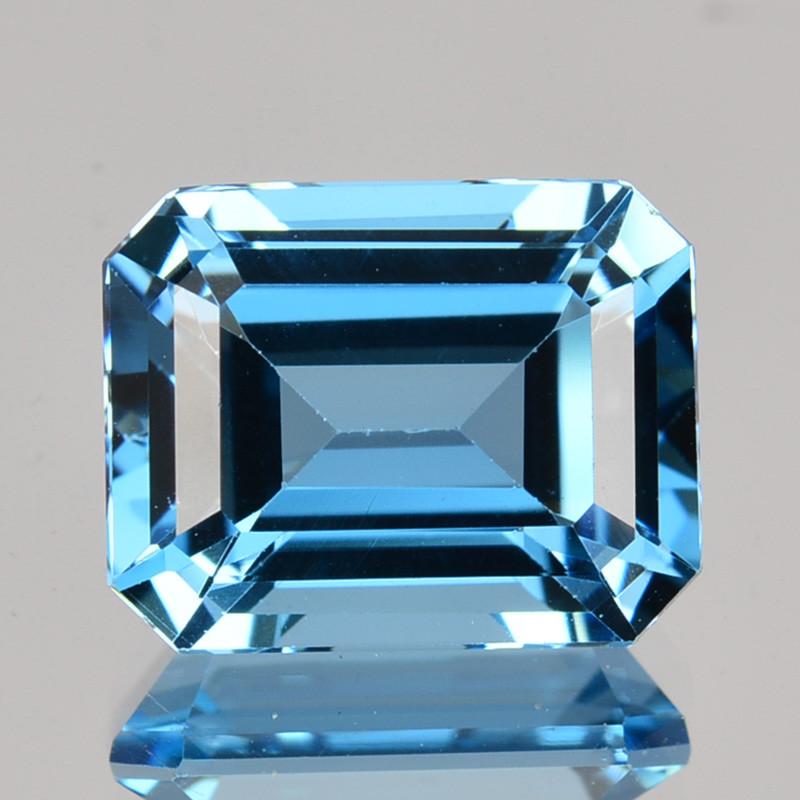 ~EMERALD CUT~ 3.90Cts Beautiful Natural London Blue Topaz Brazil