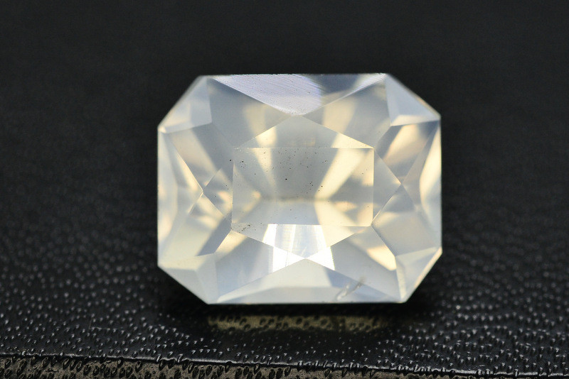 Top Quality 8.30 ct Natural Moonstone Amazing  Color ~ 1
