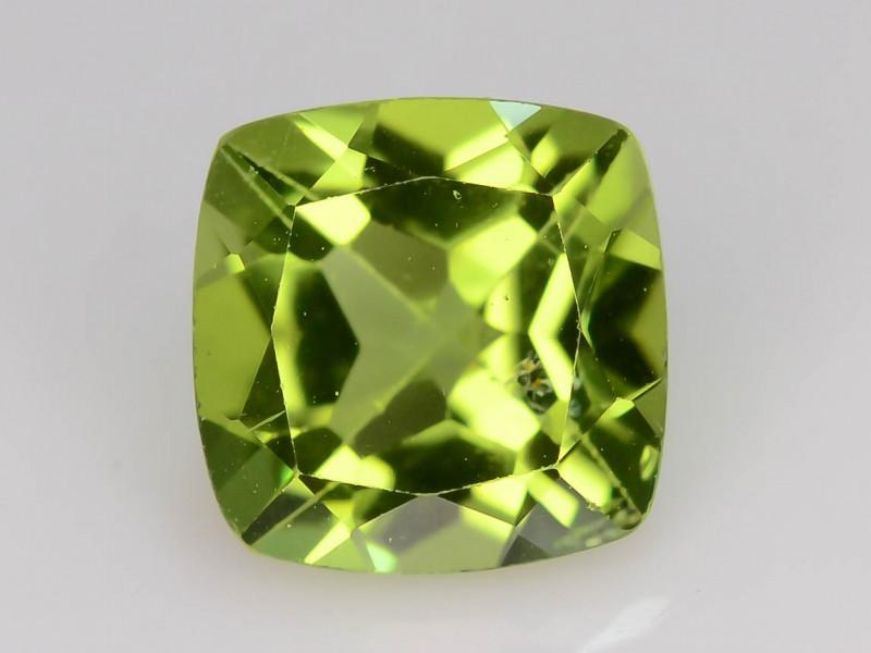 Exquisit Color 1.70  ct  Peridot ~ K