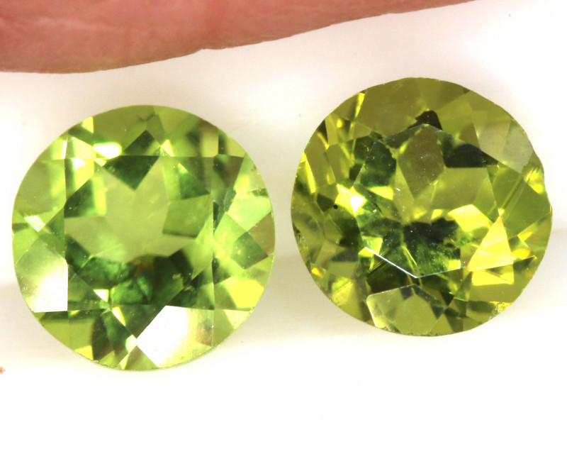 1.70 CTS PERIDOT FACETED PAIRS CG-3345