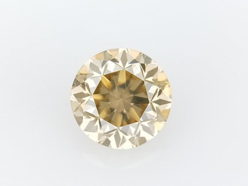0.39 CTS , Round Brilliant Cut , Light Colored Diamond
