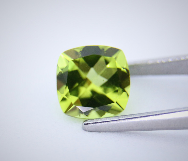 1.56cts Natural Peridot    Antique Cushion  Cut