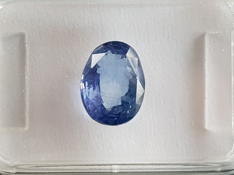 2.67ct Oval Color change Sapphire - Certified by IGI
