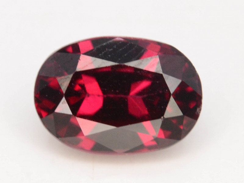 1.35 CT RHODOLITE GARNET FROM MALAY AFRICA