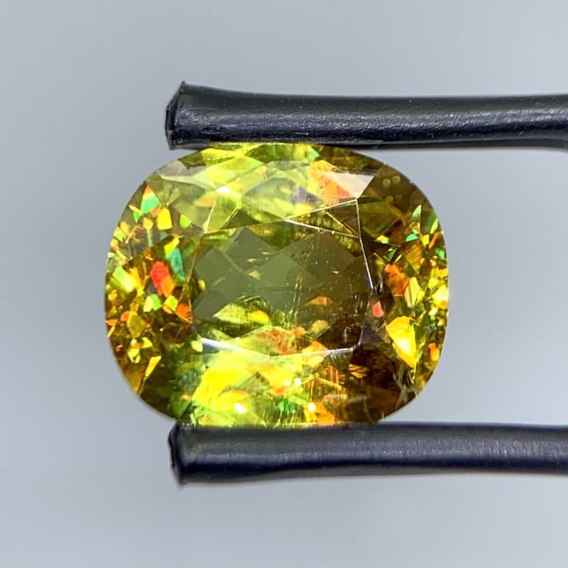 3.44 Cts Full Fire Top Luster Natural  Sphene gemstone