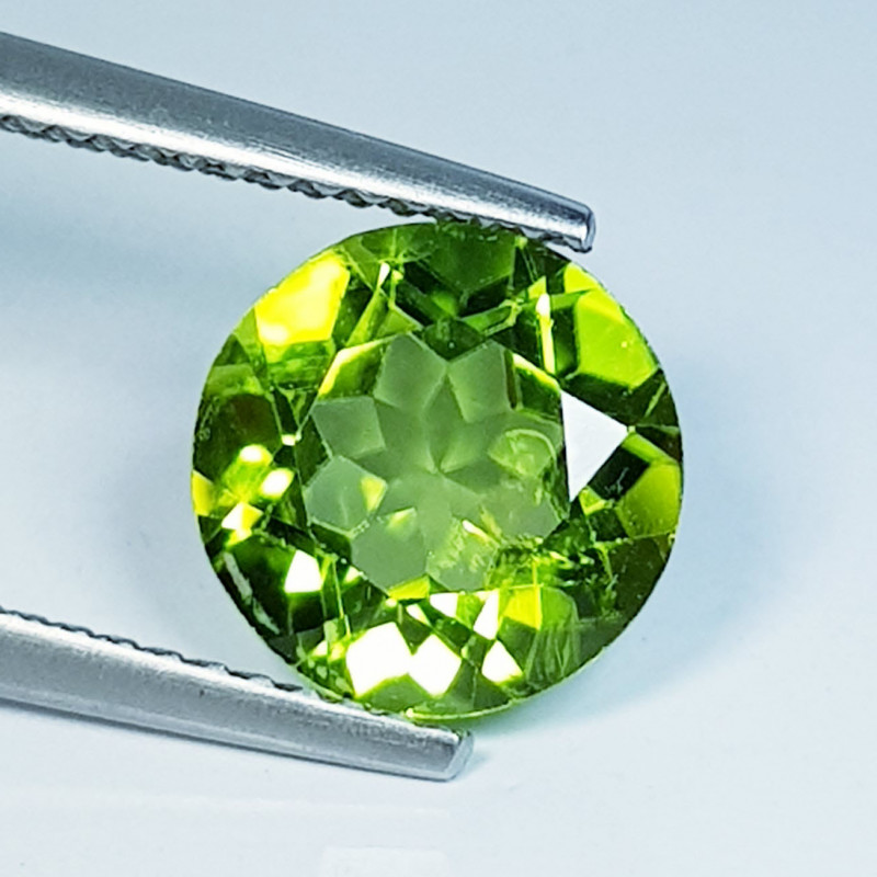2.95 ct  Top Quality Gem  Round Cut Top Luster Natural Peridot