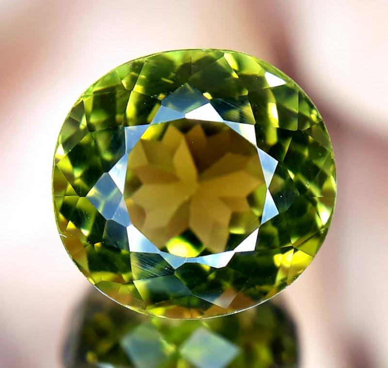 Tourmaline, 2.8ct, light green, VVS, great cut !