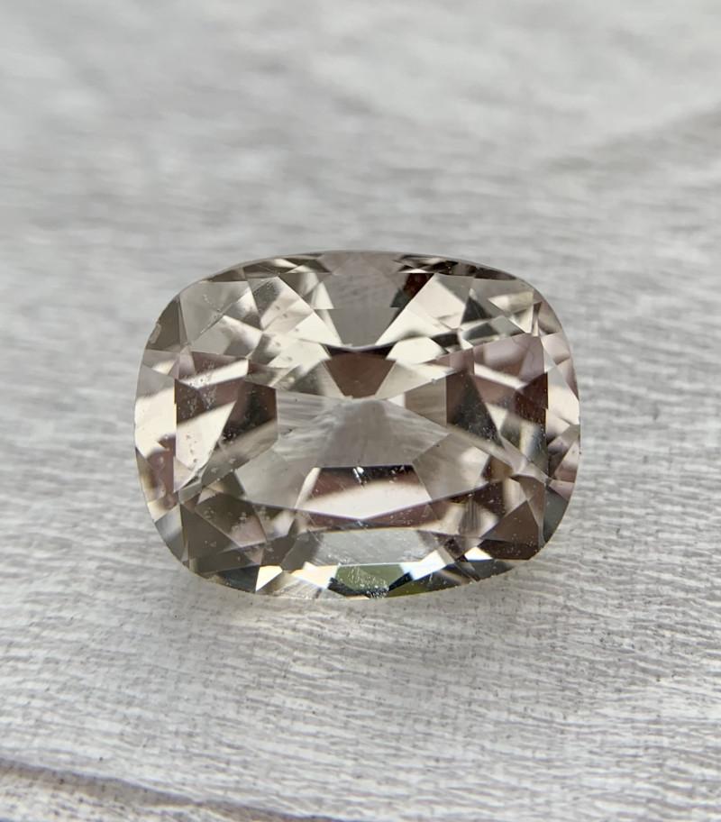 6.85 carat Natural Topaz Gemstone.