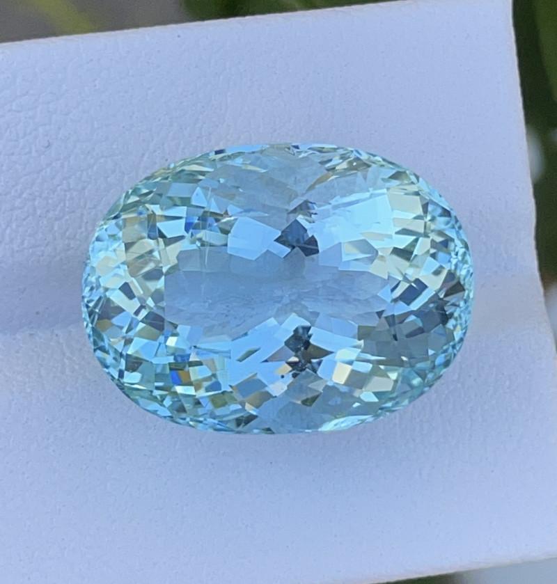 26.01 CT Aquamarine Gemstones Top Luster with fine Cutting
