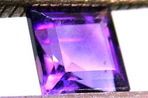 AMETHYST FACETED STONE 0.60 CTS CG - 729