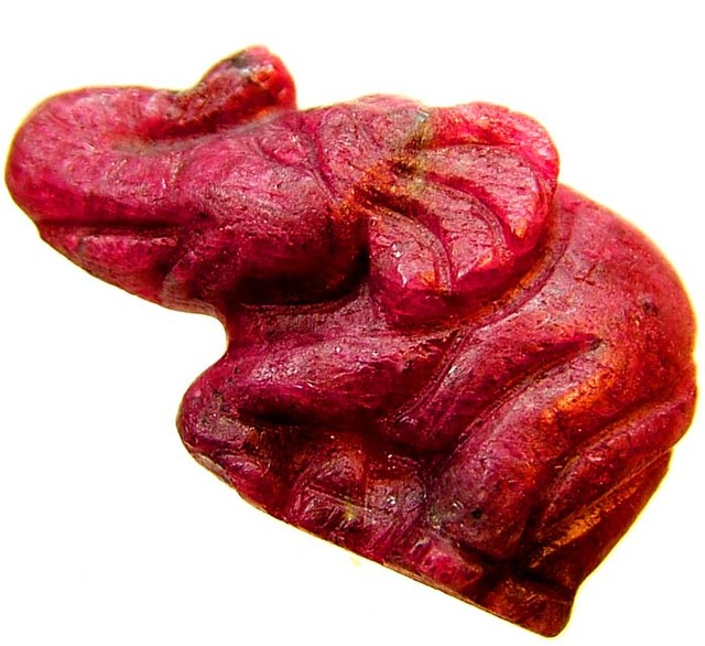 LARGE RUBY ELEPHANT CARVING 38.38 CTS [MX4398 ]