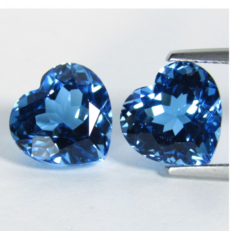 9.54Cts Sparkling Natural Swiss Blue Topaz Heart Shape Matching Pair REF VI
